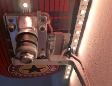 Skateboard Regal mit Beleuchtung